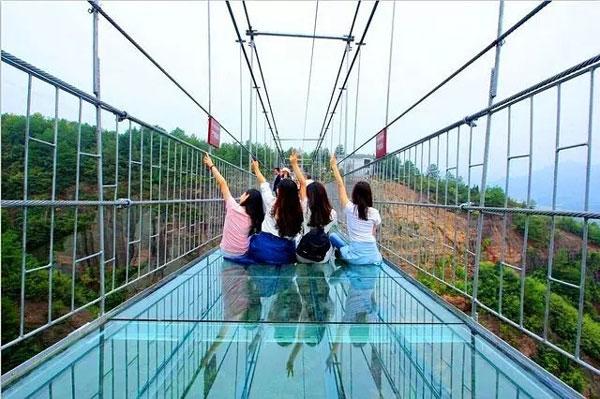石牛寨春节游玩攻略,玻璃桥