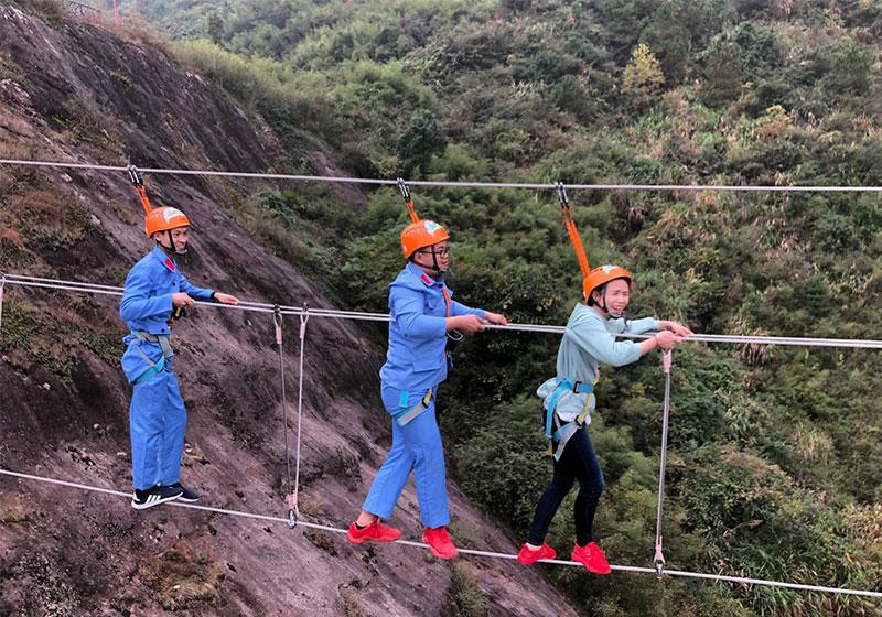 九江锦态科技有限公司团队石牛寨飞拉达拓展体验