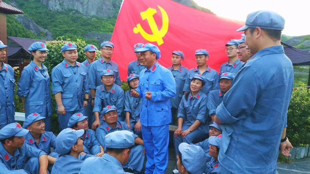 七一怎么过?来平江石牛寨穿军装、唱红歌、重走红军路...传承红色基因!