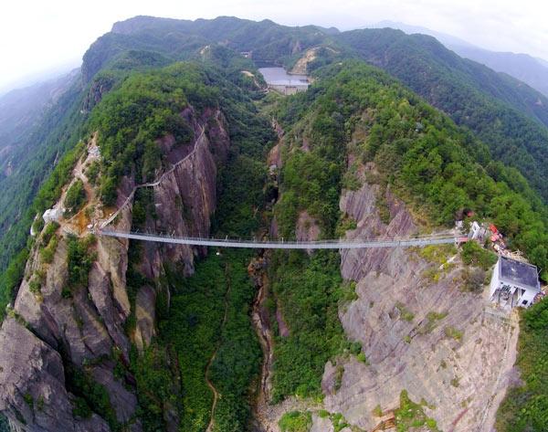 湖南最险的玻璃桥是一个怎样的体验?