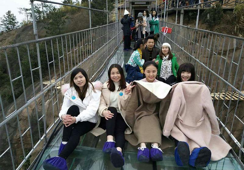 石牛寨景区天气怎么样?长沙李女士跟闺蜜们石牛寨玻璃桥一日游记