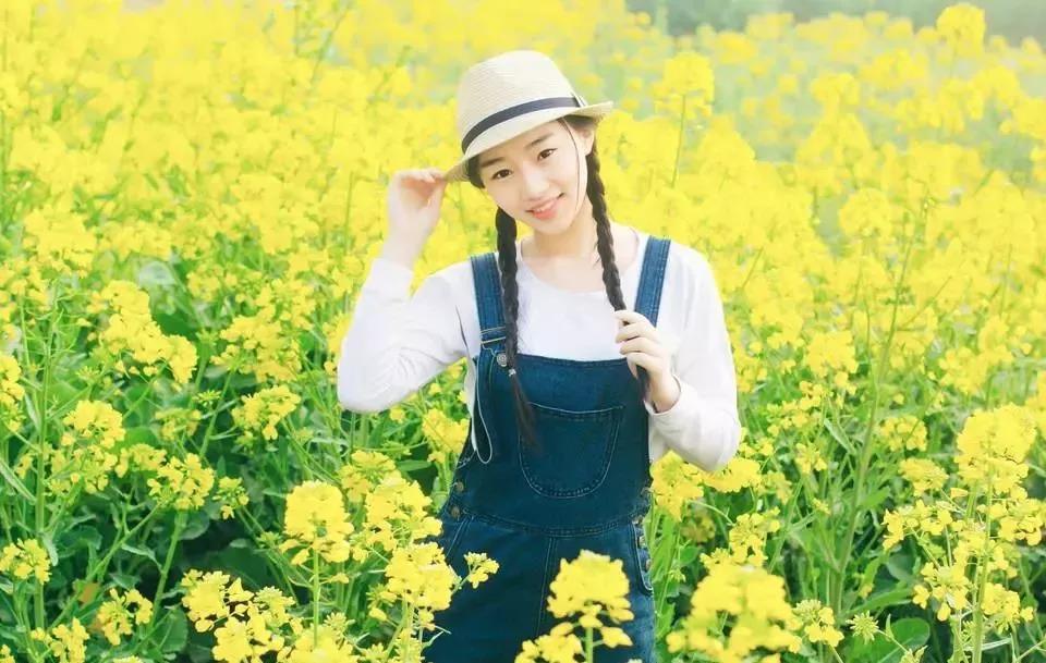 4月春游踏青石牛寨花田中秀出最美的你!