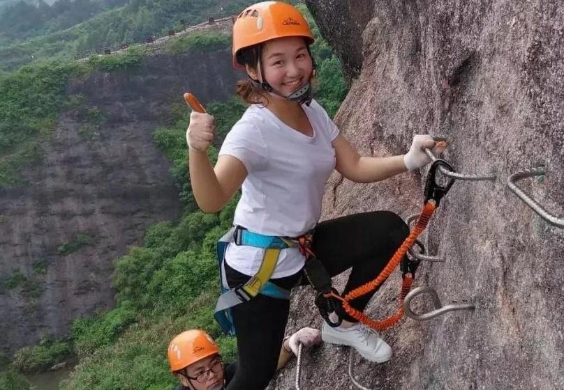 岳阳石牛寨飞拉达攀岩大冒险等你来,还有很多活动更加精彩