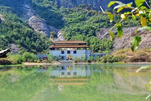 平江石牛寨风景区,一个大自然不加修饰的地方.